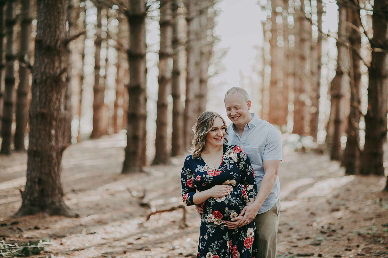 Kansas City Maternity photographer outdoor with trees in forest